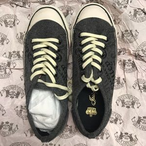 New Juicy Couture Daphne Flannel Sneakers, Size 5